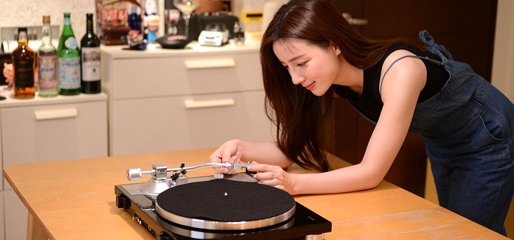 nhung-yeu-to-lam-nen-mot-chiec-mam-dia-than-vinyl-turntable-tot
