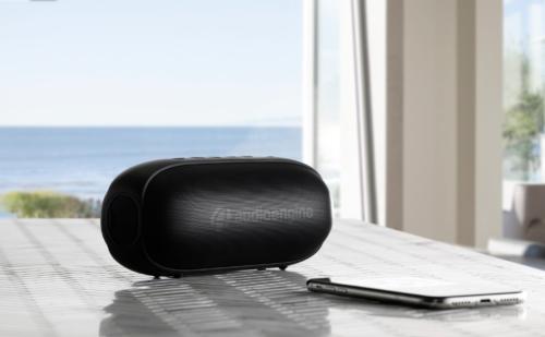 Audioengine 512 Portable Speaker – Mẫu loa di động đầu tiên của hãng, giá khoảng hơn 4tr VNĐ