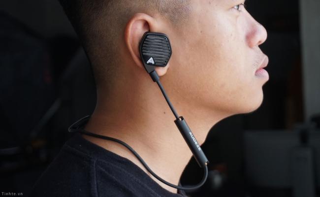 Trên tay Audeze LCDi3: Tai nghe từ phẳng giá dễ chịu, tiếng nhanh, khỏe, có Bluetooth adapter đi kèm