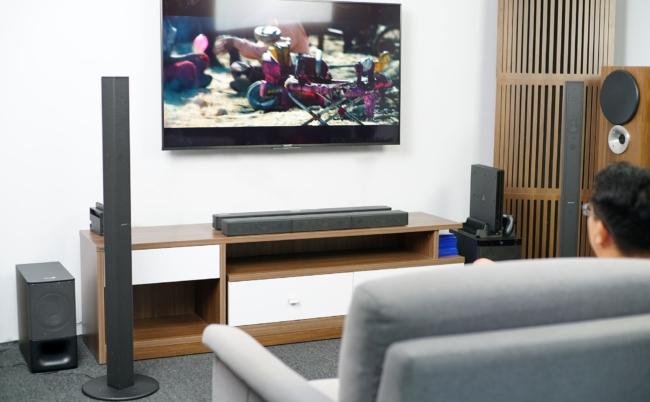 Vì sao anh em nên trang bị thêm soundbar (loa thanh) cho TV?