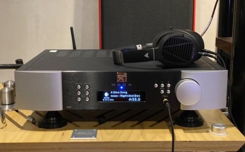 Cua khoẻ Simaudio MOON 390 – DAC/Pre/Phono/Streamer tích hợp tuyệt vời