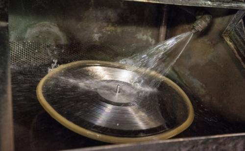 Những ảnh hưởng đến môi trường từ phong trào hồi sinh đĩa vinyl