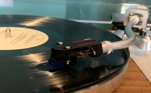 Những Yếu Tố Làm Nên Một Chiếc Mâm Đĩa Than Vinyl (Turntable) Tốt